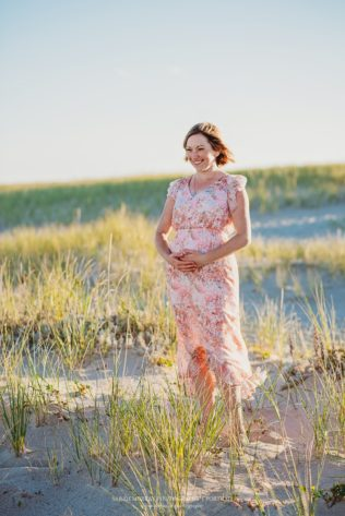 Maternity Photo Session Lighthouse Beach on Cape Cod in Chatham, Massachusetts - Sarah Murray Photography