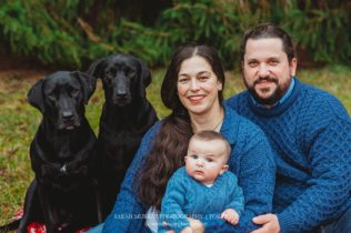 Christmas Family Photo Session on Cape Cod in Sandwich, Massachusetts - Sarah Murray Photography